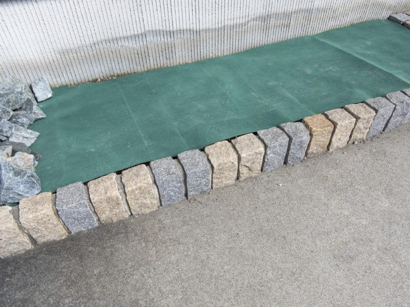 お庭DIYの初心者にもできる防草シートの使い方、選び方