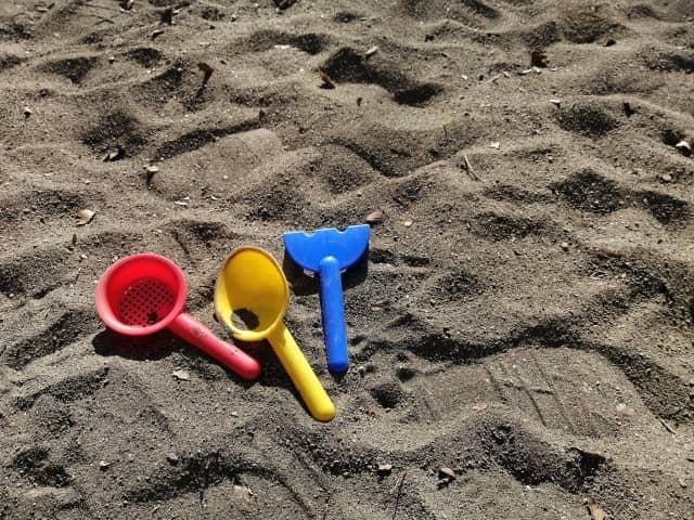 自宅で砂遊びさせたい!砂遊び用の「砂」はどんな砂がおすすめ?